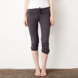 Women's capri scrunch pant
